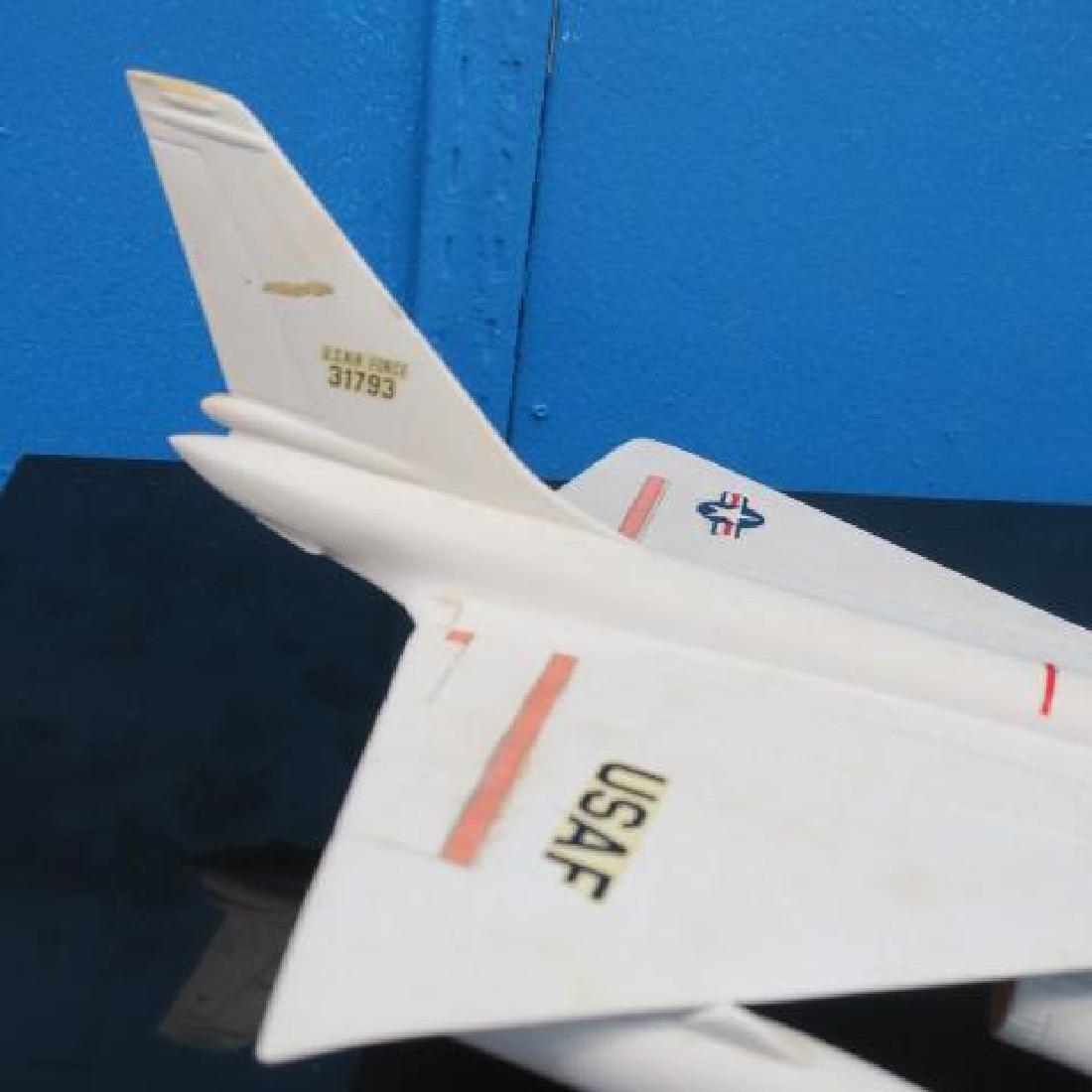 US NAVY RECOGNITION MODEL B-58 HUSTLER, MACH 2 BOMBER: - 2