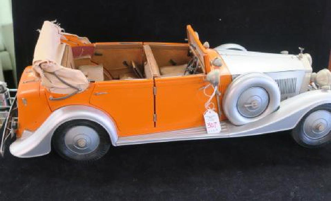 Highly Detailed Model ROLLS-ROYCE CONVERTIBLE; 1/12: