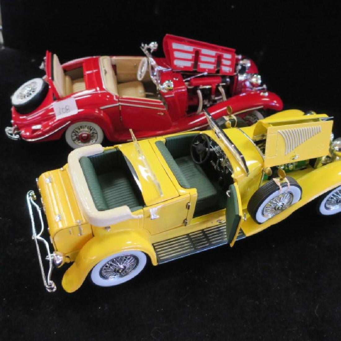 Red Mercedes 500K and Yellow Duesenberg SJ 1/18 Models - 5