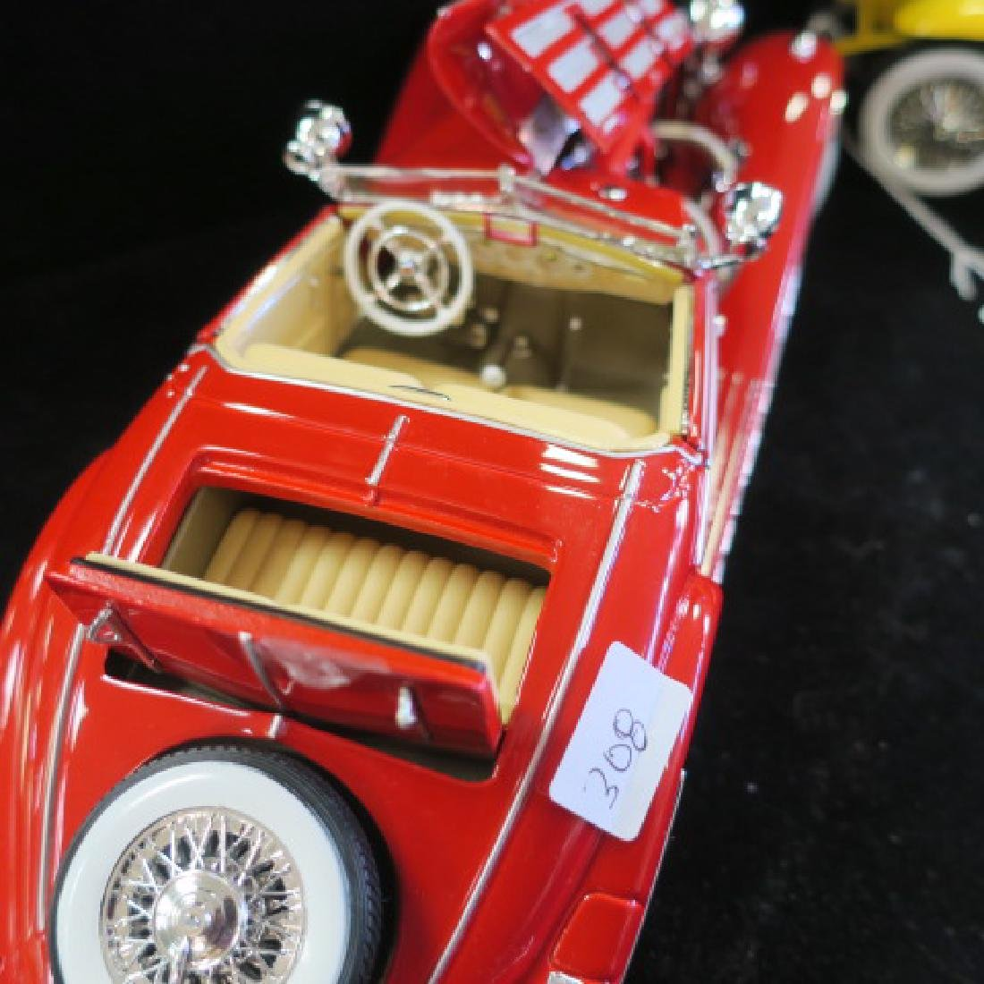 Red Mercedes 500K and Yellow Duesenberg SJ 1/18 Models - 6