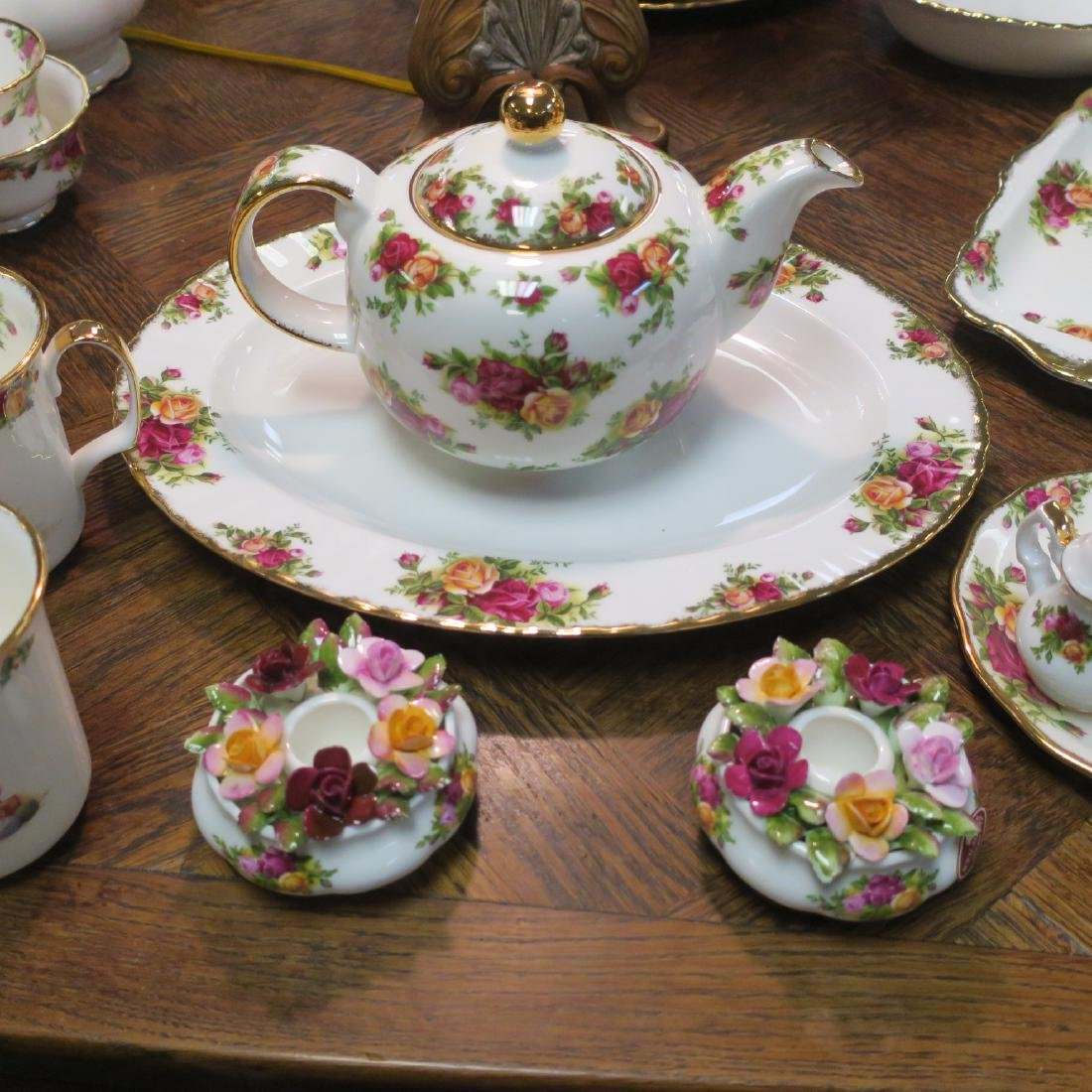 "Large Set ROYAL ALBERT ""Old Country Roses"" Tableware: - 2"