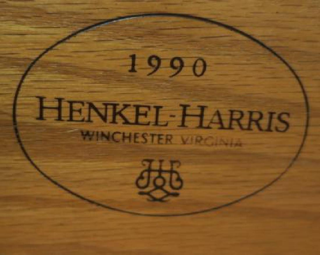 HENKEL HARRIS Four Pieces Mahogany Bedroom Furniture: - 2