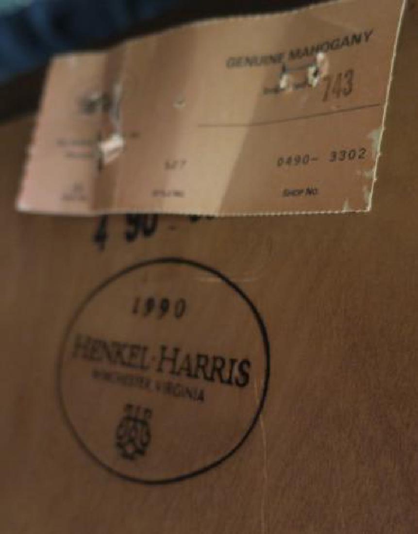 HENKEL HARRIS Four Pieces Mahogany Bedroom Furniture: - 5