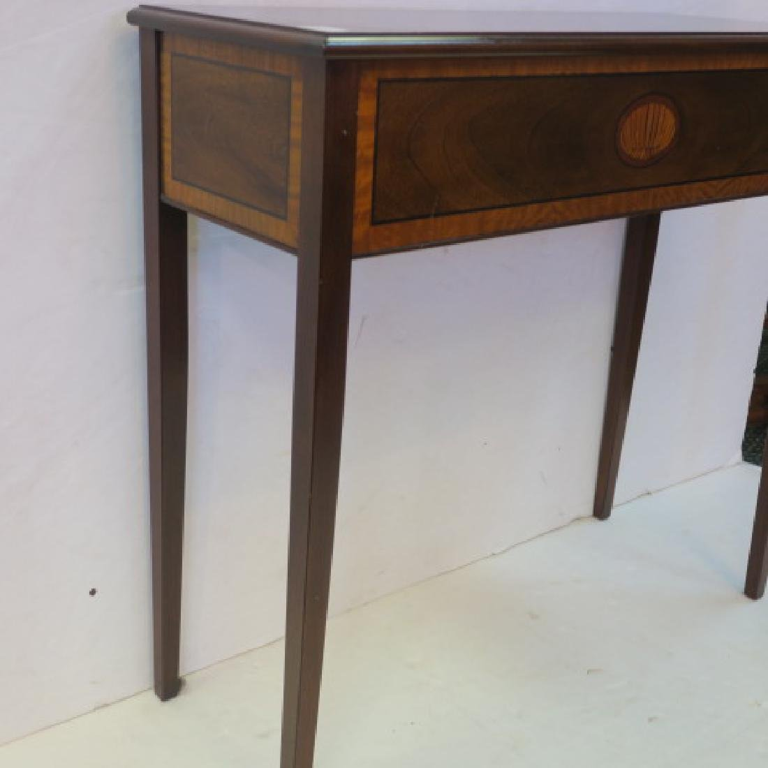 Petite Traditional Console Table: - 3