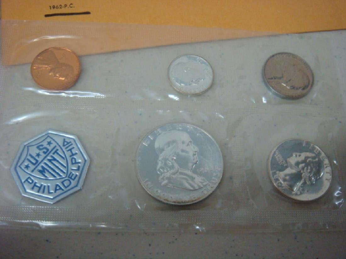 1960 and 1962 Uncirculated Mint Sets (2): - 3