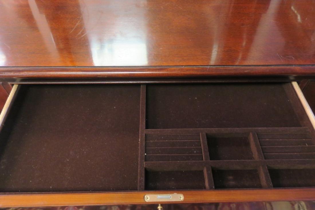 HENREDON 10 Drawer Dresser with Mirror: - 5