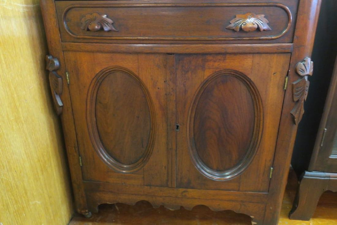Mid 19th C. Marble Top Wash Stand: - 2
