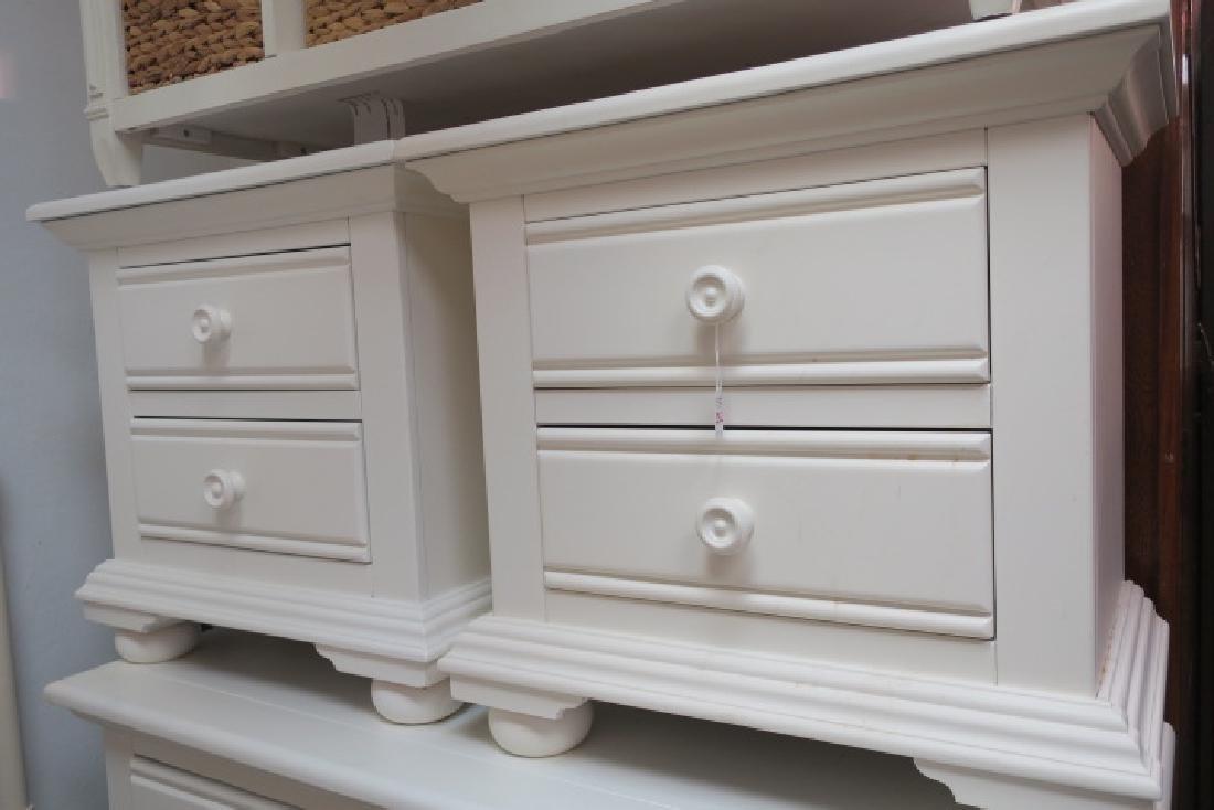 5 Pc. Modern White Bedroom Furniture: - 3