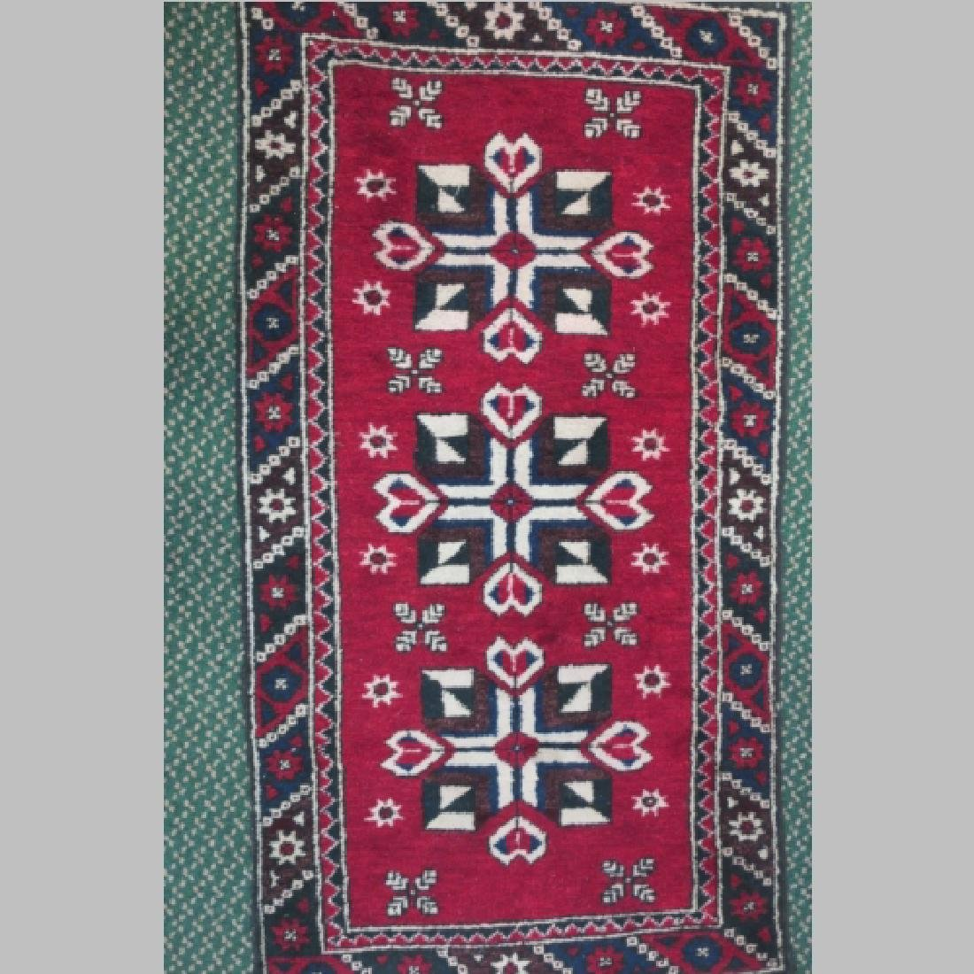 Handwoven Wool Iranian Area Rug: - 2