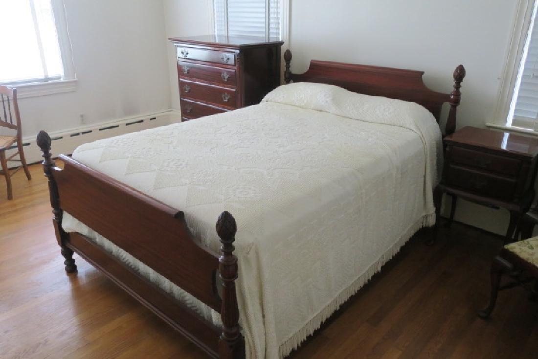 Five Pc. Mahogany Bedroom Set with Pineapple Finials: - 3