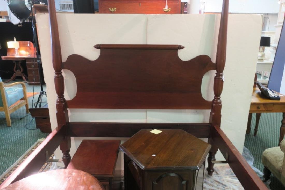 GILARDI Four Poster Canopy Full Size Bed: - 2