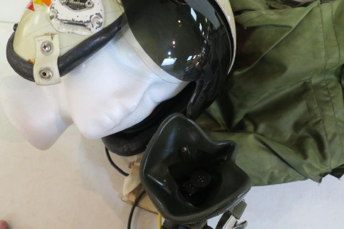US NAVY Jet Pilot Helmet VA 128 and Helmet Bag: - 2