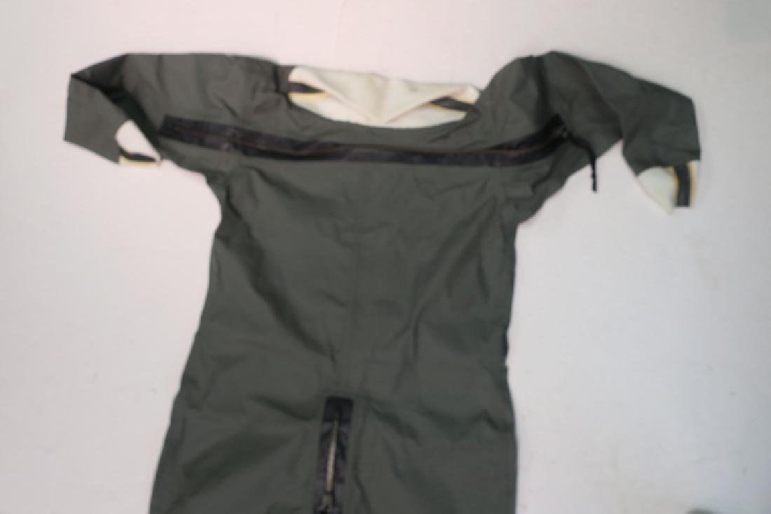 US NAVY Jet Pilot's CWS 62 ANTI-EXPOSURE COVERALL: - 2