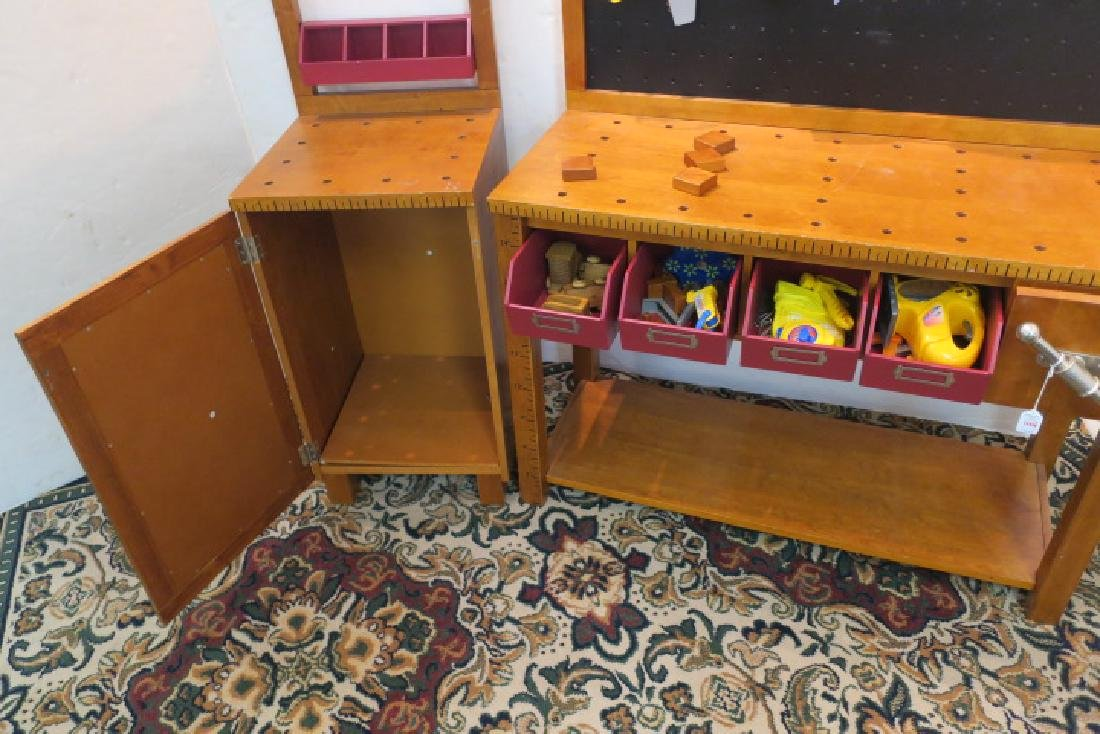 Young Master Craftsman Workbench with Accessories: - 3