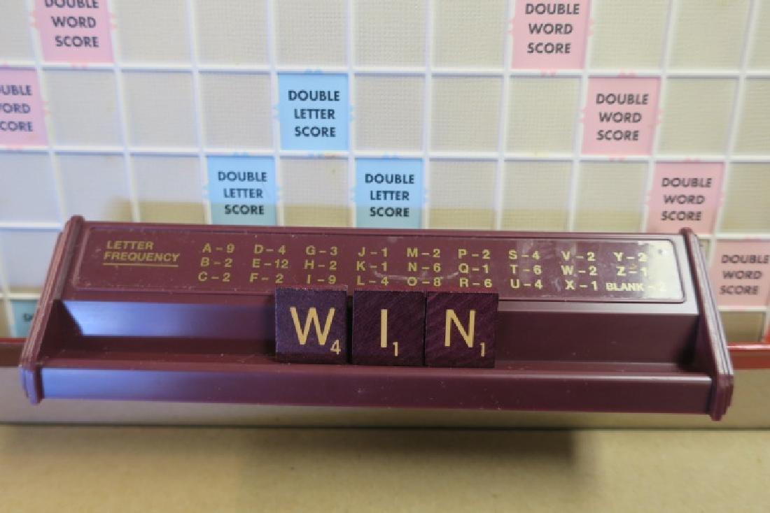 Deluxe Turntable SCRABBLE Crossword Game: - 3