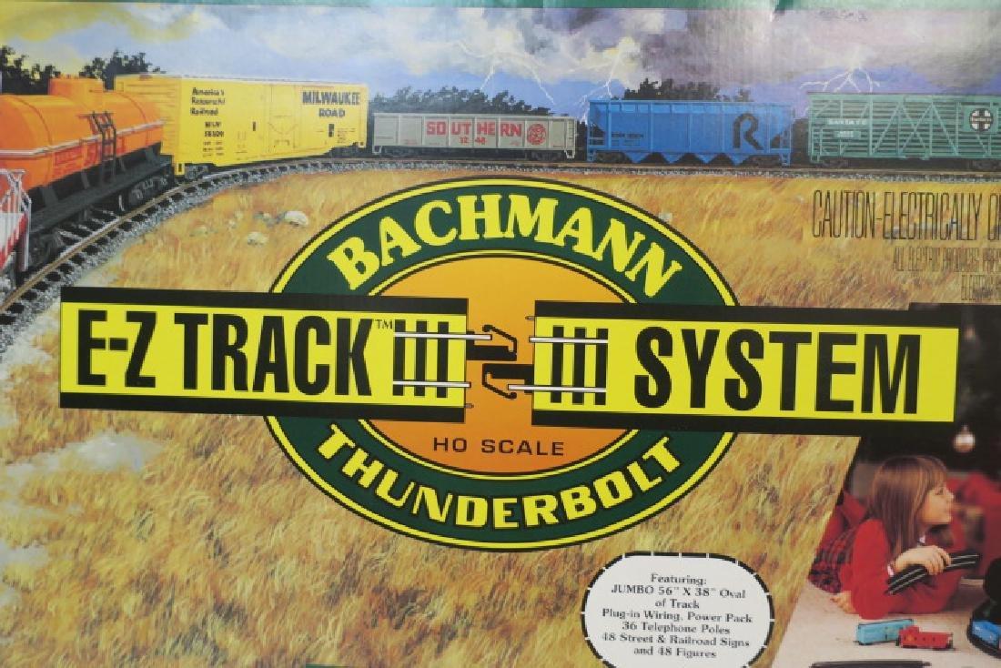 "BACHMAN ""THUNDERBOLT"" HO Model Train Set, 156 Pieces: - 3"