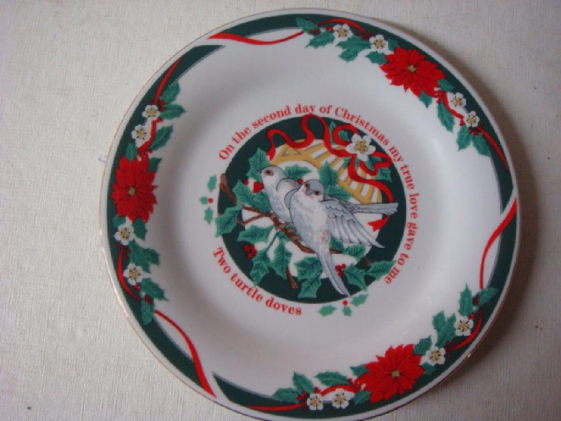 "TIENSHAN ""Deck the Halls"" 12 Days of Christmas Plates: - 2"