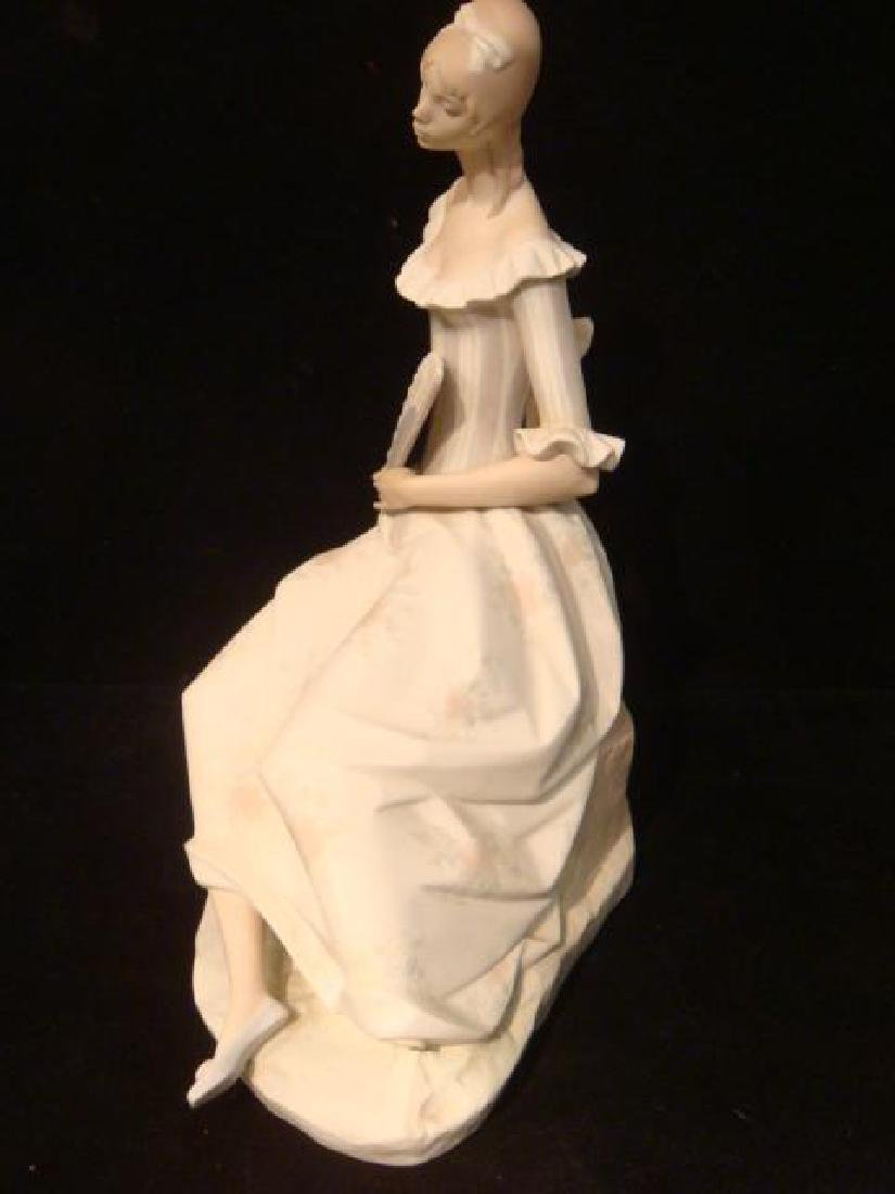 "LLADRO ""Lady with Fan"" Porcelain Figurine: - 4"