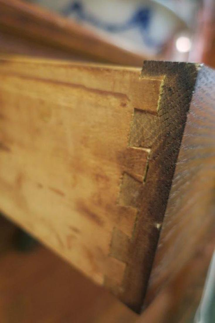 Antique Five Drawer Quarter Sawn Oak Dresser: - 3