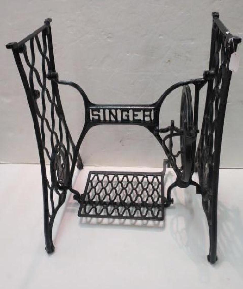 SINGER Wrought Iron Sewing Machine Base: - 2