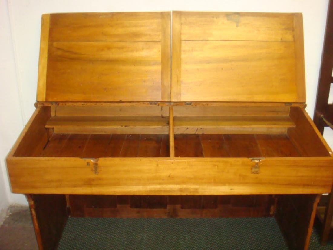 Antique Pine Plantation Desk with Double Lift Top: - 2