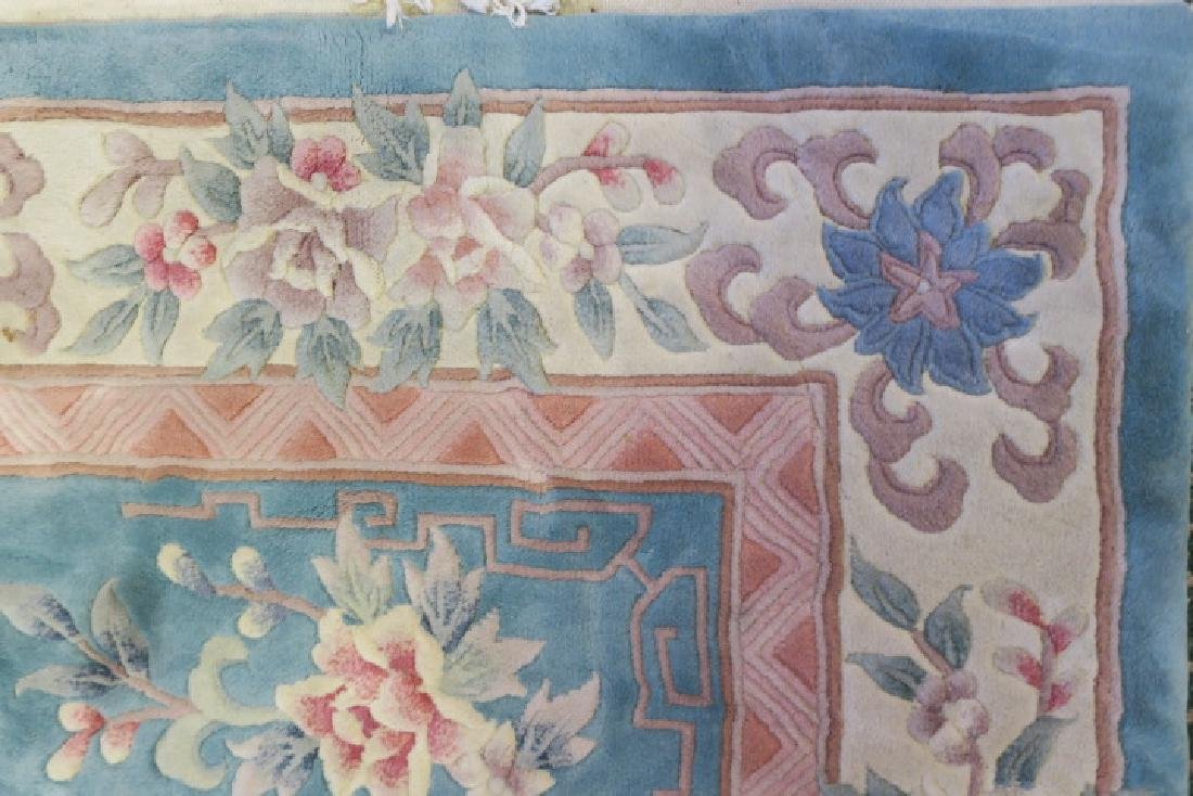 Blue Sculpted Chinese Floral Rug: - 4
