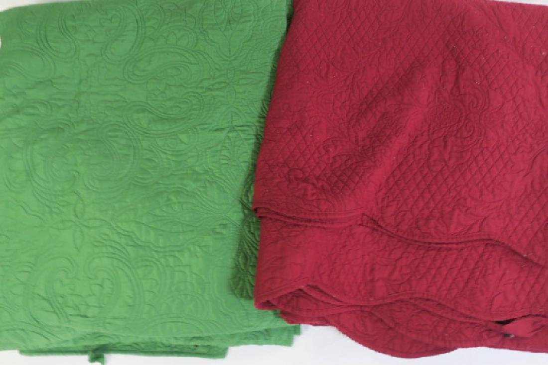 Lot of 5 Various size Vintage Quilts: - 2
