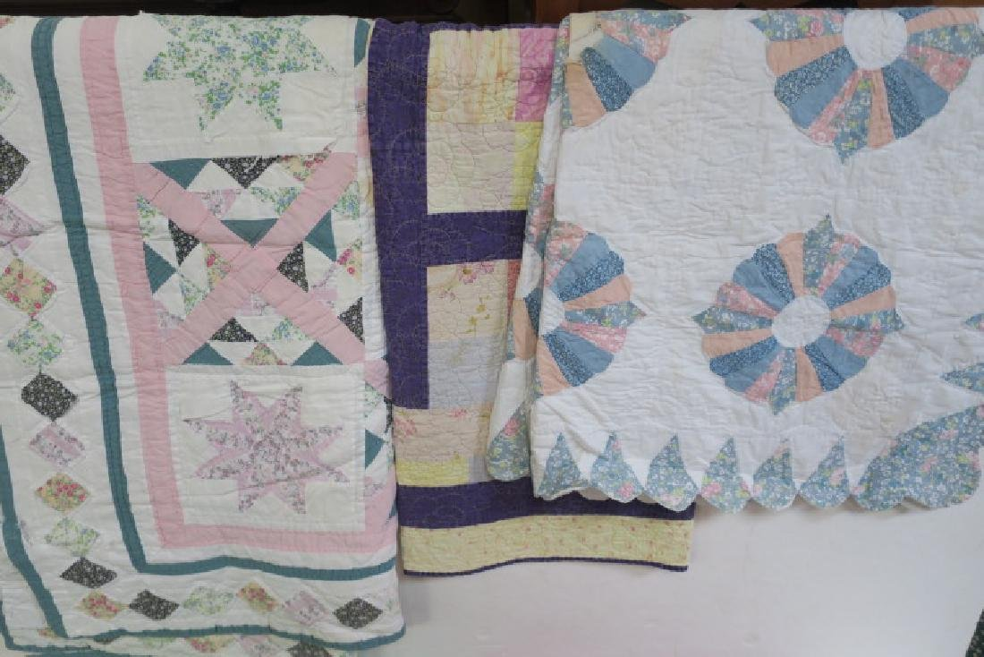 Lot of 5 Various size Vintage Quilts: - 3