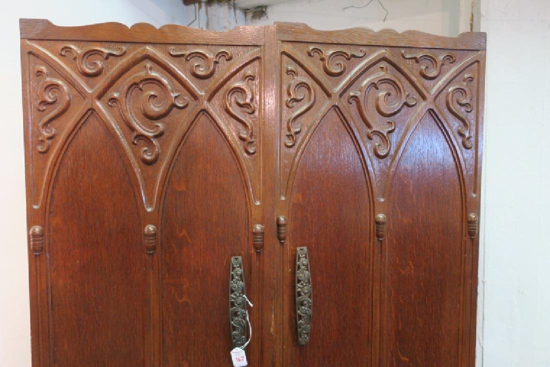 Oak Gothic Style Collapsible Armoire: - 3