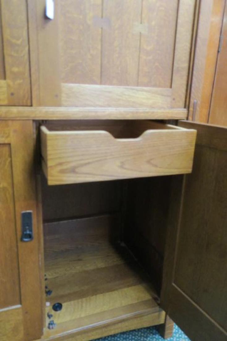 Mission Oak Style Cabinet w/Top and Bottom Sections: - 4