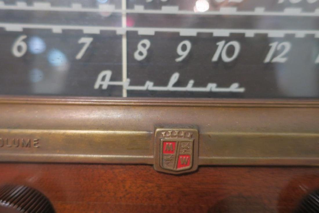 1950-1960 AIRLINE Tube Radio/Phonograph Console: - 3