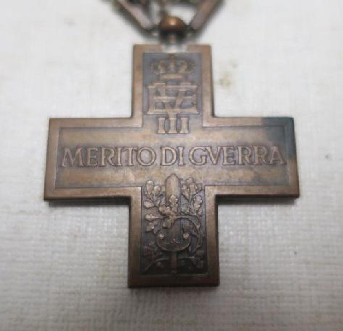 Two Italian World War One Medals; Heroism & Victory: - 3