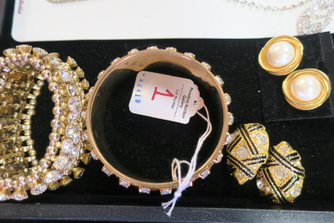 Collection of Ladies Costume Jewelry: - 4