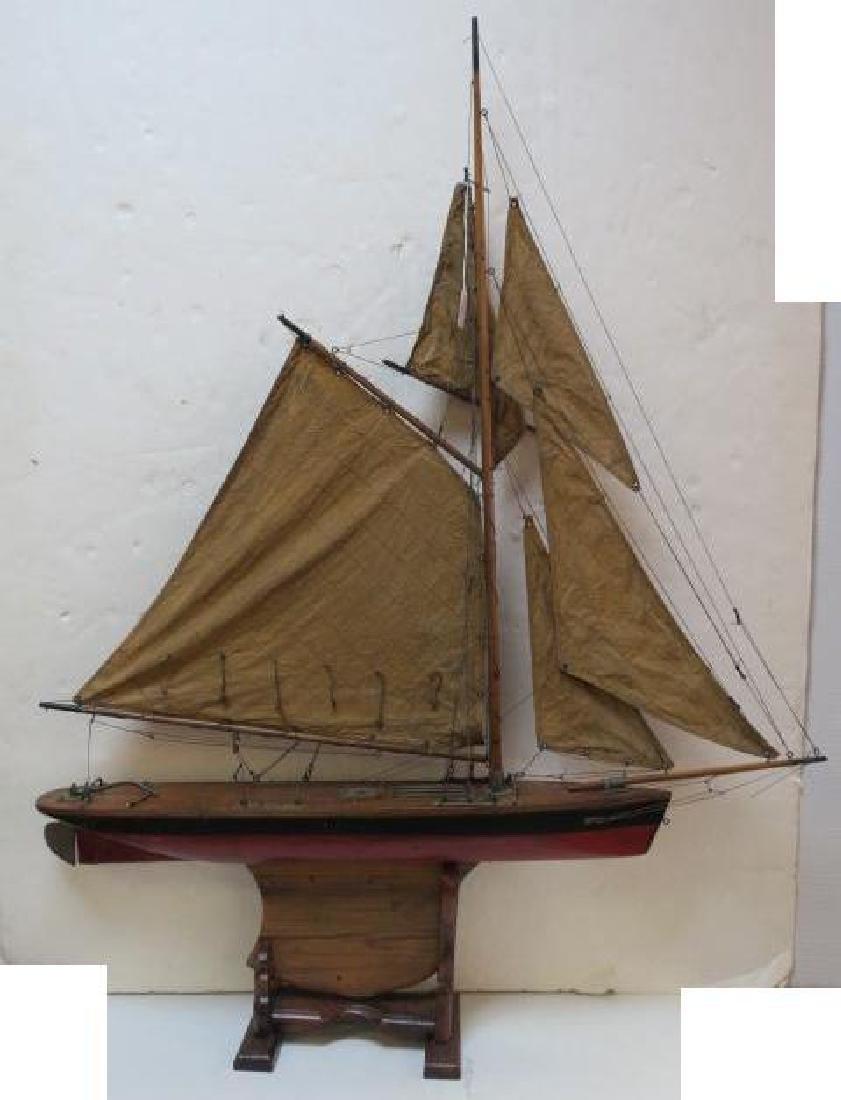 Antique Gaff Rigged Racing Sloop Wooden Model: