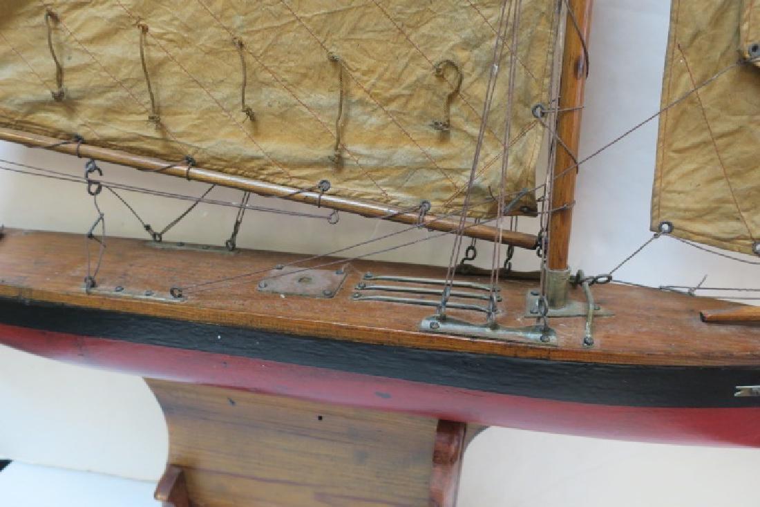 Antique Gaff Rigged Racing Sloop Wooden Model: - 3