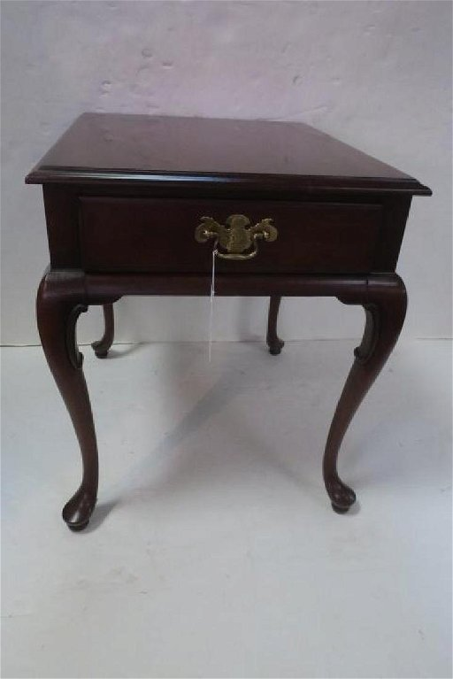 Gordon S Mahogany Single Drawer Queen Anne Side Table