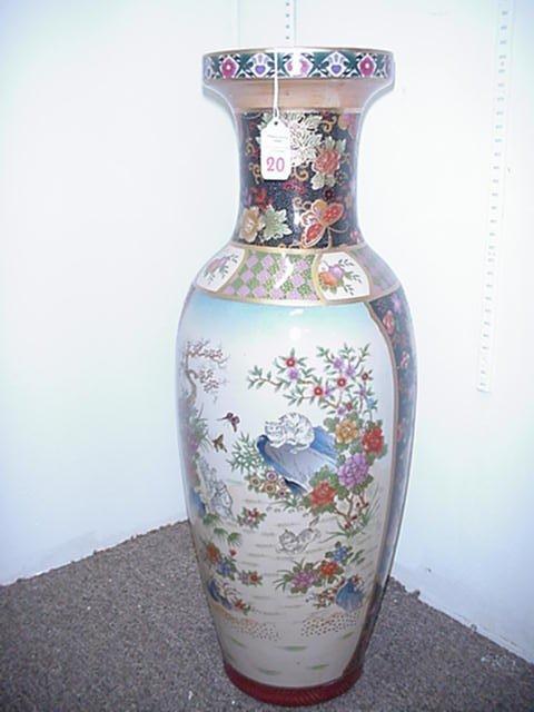 20: Large Oriental Vase with Frolicking Kitte