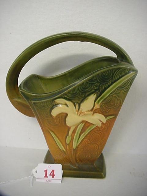 14: ROSEVILLE ZEPHYR LILY 1940 Tan Basket 394-8: