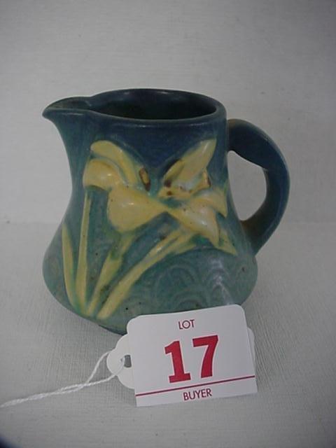 17: ROSEVILLE ZEPHYR LILY 1940 Blue Creamer 7-C: