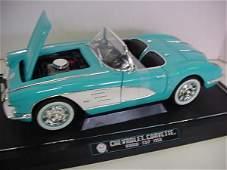 1319: 1 Diecast Metal 1:12 Scale Model Cars: