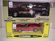 1333: 2 Diecast Metal 1:18 Scale Model Cars: