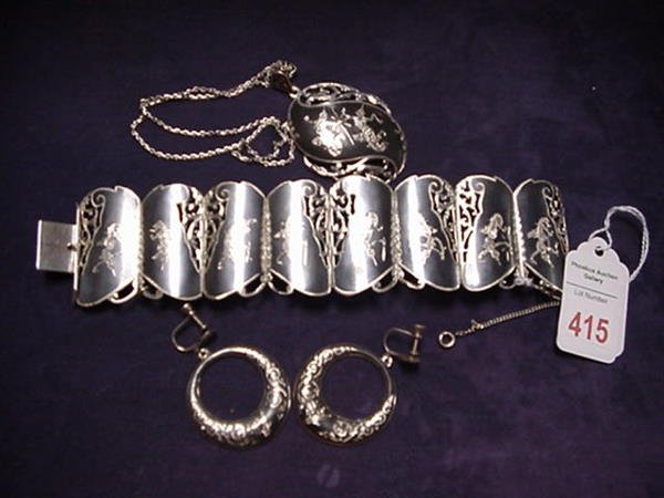 415: Siam Sterling Bracelet, Pendant and Earrings: