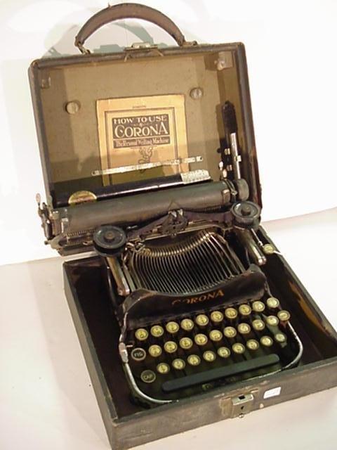 17: CORONA Folding Model 3 Portable Typewriter