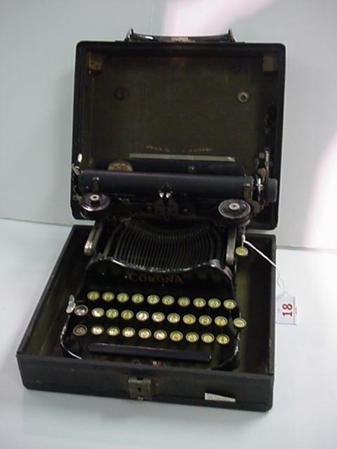 18: CORONA Folding Model 3 Portable Typewriter