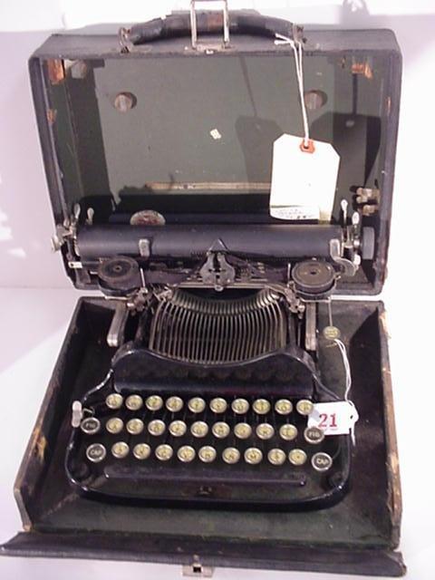 21: CORONA Folding Portable Typewriter: