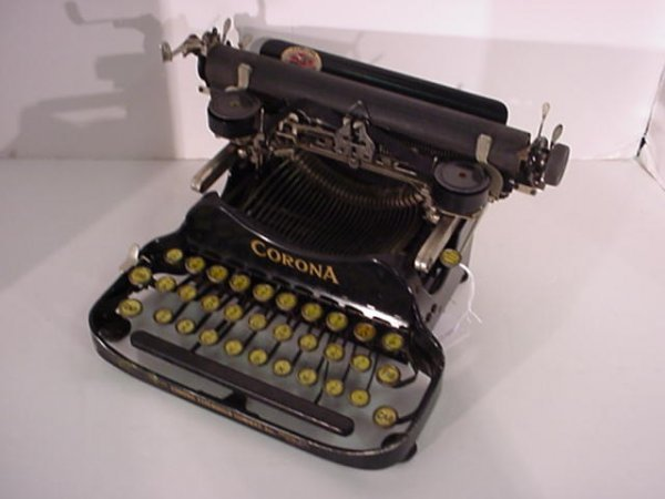 22: CORONA Folding Portable Typewriter: