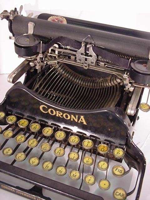 22: CORONA Folding Portable Typewriter: - 2