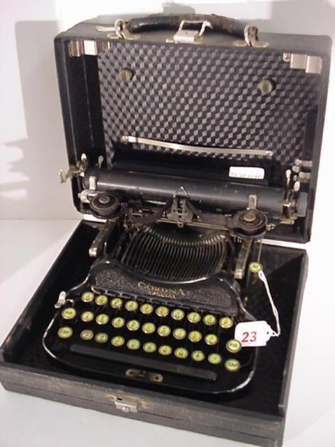 23: CORONA Folding Special K Portable Typewriter:
