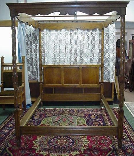 712: Golden Oak Canopy Bed: