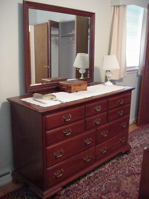 722: ETHAN ALLEN Cherry Dresser with Mirror: